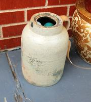 2 Urns and a Jug